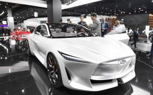 日産自動車は「インフィニティ」のコンセプト車で新型エンジン搭載をうたった