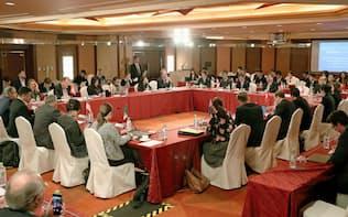 22日、東京都内のホテルで開かれたTPP首席交渉官会合=共同