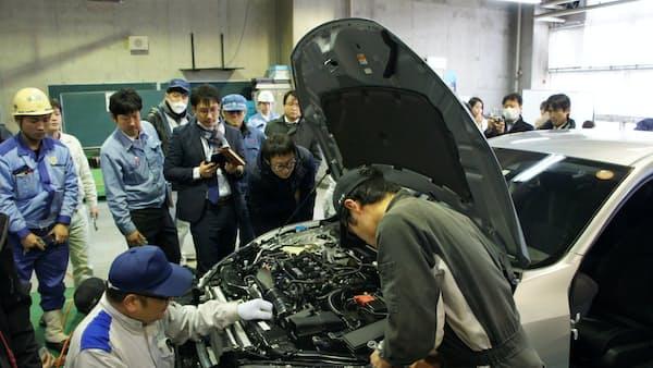 車解剖 今度は「シビック」 ひろしま産業振興機構 安全技術など確認