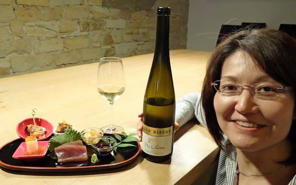 「レストラン・フミ」では徳岡さんが自社のワインと和食の組み合わせを提案