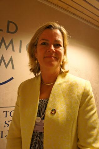国連難民高等弁務官事務所(UNHCR)のケリー・クレメンツ副高等弁務官
