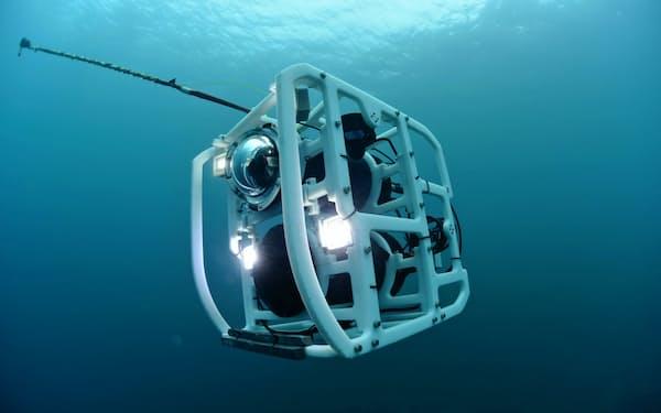 トライポッドファインダーは4時間持つバッテリーを積み、水深300メートルまで潜る