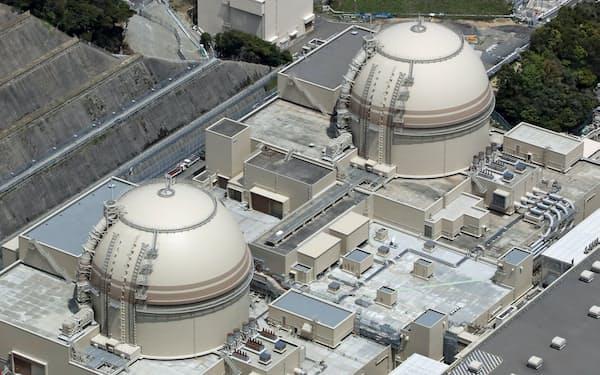 関西電力大飯原発の3号機(右)と4号機(福井県おおい町)