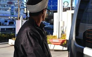 韓国製ガソリンの流入増は店頭価格の上昇抑制につながる(都内の給油所)