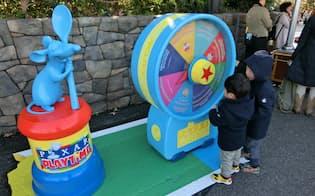 東京ディズニーシーのピクサー映画に関連したイベントでは、子供が遊べるゲームなどを多く設置した