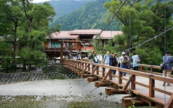 集客力がある観光スポットをどれだけ作れるかが課題だ(松本市の上高地、2017年9月)