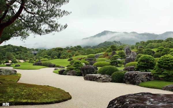 米誌の日本庭園ランキングで15年連続1位に選ばれた足立美術館の庭園(2017年9月、島根県安来市)=共同