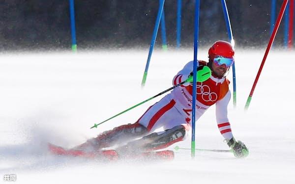 男子アルペン複合 優勝したオーストリアのマルセル・ヒルシャーの後半回転(13日、平昌)=共同