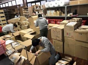 下着ネット通販のすててこ(福井県あわら市)では、大雪で商品を出荷できない状態が続く