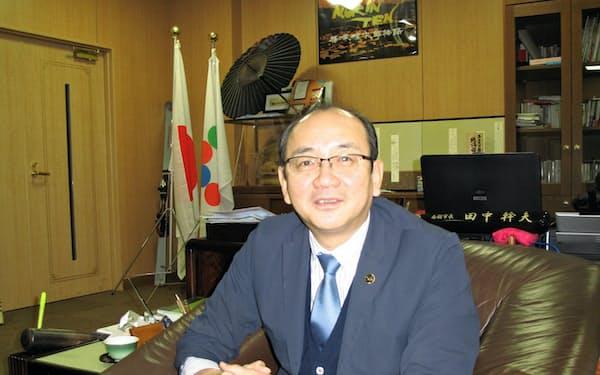 田中幹夫・富山県南砺市長