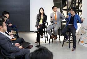 登壇したセレボの岩佐社長(右端)とセブン・ドリーマーズ・ラボラトリーズの阪根社長(右から2人目)ら (東京都千代田区のPwCエクスペリエンスセンターで)