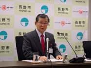 加藤市長は18年度予算案を「市民総元気予算」と銘打った(15日、長野市役所)