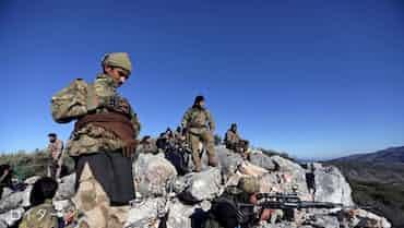 トルコ軍、シリア政権側部隊に砲撃 北西部の越境地域