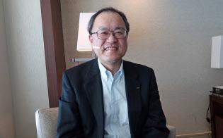 スペイン・バルセロナでインタビューに応じたKDDIの田中孝司社長