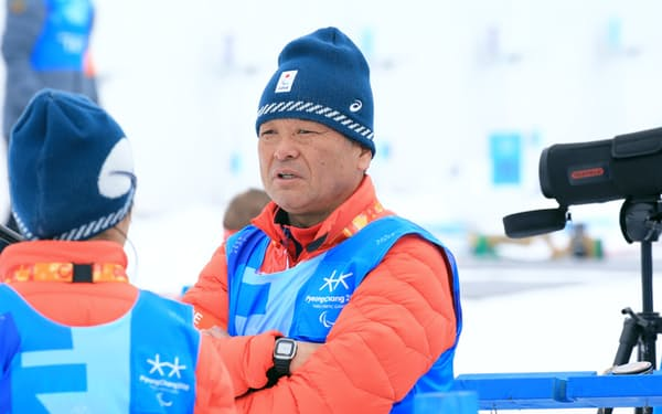 バイアスロンの滝沢ヘッドコーチは自信を持って選手を送り出す=横沢太郎撮影