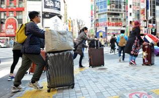 訪日客の民泊利用は増加している(東京都新宿区)