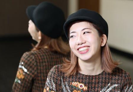 あかね 1992年大阪府岸和田市生まれ。日本女子体育大卒。2011年に母校の府立登美丘高校(堺市東区)ダンス部コーチに就いた。同部はハリウッド映画「グレイテスト・ショーマン」の日本のPR大使に選ばれ、主題歌のプロモーションビデオを制作している。