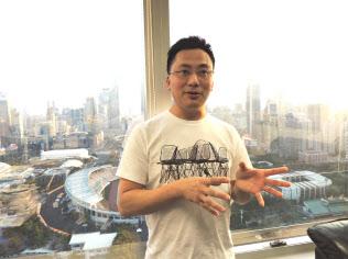 梁浩基さん(37)は、中国での腐敗の実態、カナダに逃亡した当時の様子を赤裸々に語った