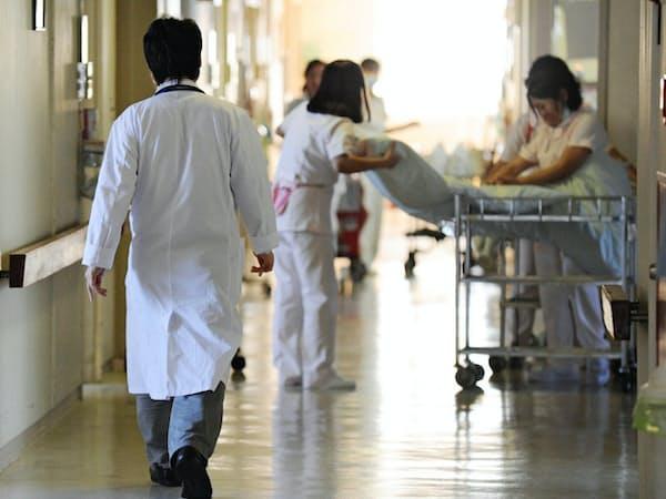 診療体制の維持しながら医師の働き方改革を進めるのは難しい課題だ