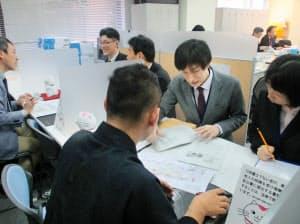 京町家などを生かした民泊が窓口に届け出された(15日、京都市中京区)