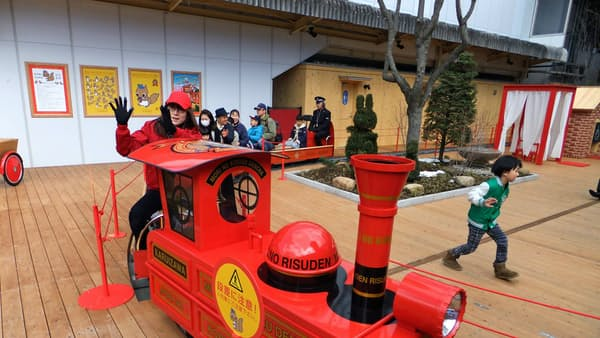しなの鉄道、駅ナカ集客施設を開業 子ども呼び込む