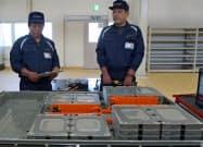 日産はEV「リーフ」の充電池を再利用して販売する(26日、浪江町)