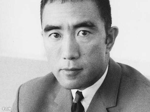 プラバシー権を巡って裁判になった小説を書いた三島由紀夫氏