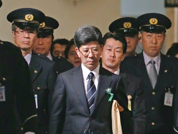 衆院予算委での証人喚問を終えた佐川氏(27日、国会内)