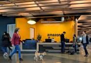 アマゾン株はニューヨーク市場が明けてすぐに一時3%近く下落した(2月、シアトルの本社)