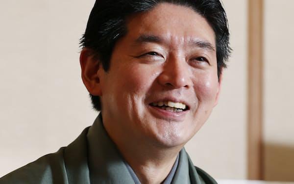 「名を多くの人に知ってもらえるよう精進したい」と話す(大阪市中央区)