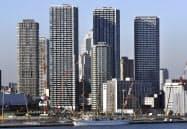 タワーマンションが林立し、人口流入が進む(東京都中央区)