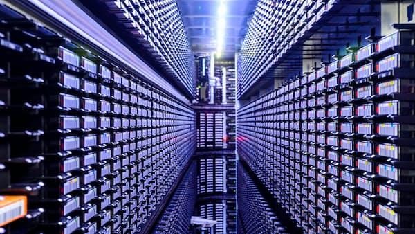 人体から宇宙まで 情報資源、世界を一変(データの世紀)