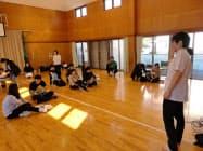 夜泣きを研究する門倉氏は横瀬町で育児講座の講師を務めたこともある