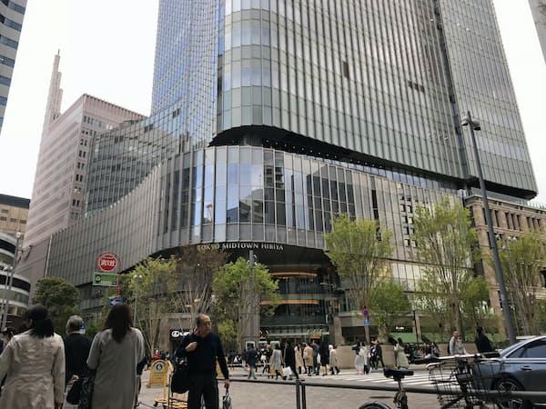 首相は「東京ミッドタウン日比谷」内の「TOHOシネマズ 日比谷」で映画を鑑賞した(東京・千代田)