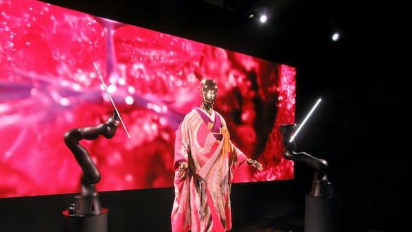 着物の魅力、ロボが伝える 京都・二条城で展示会 20日まで