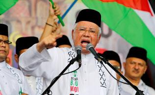 フェイクニュースへの対策法を導入したマレーシアのナジブ首相=ロイター