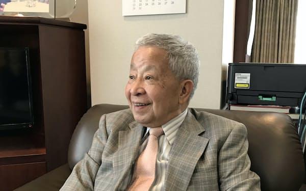 「円にはリスク回避の買いが続く」と話す榊原英資元財務官