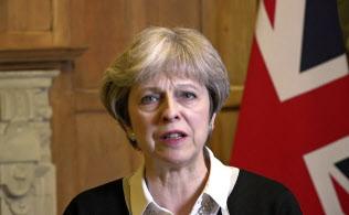英軍にシリア攻撃を命令したメイ首相(14日、ロンドン)=AP