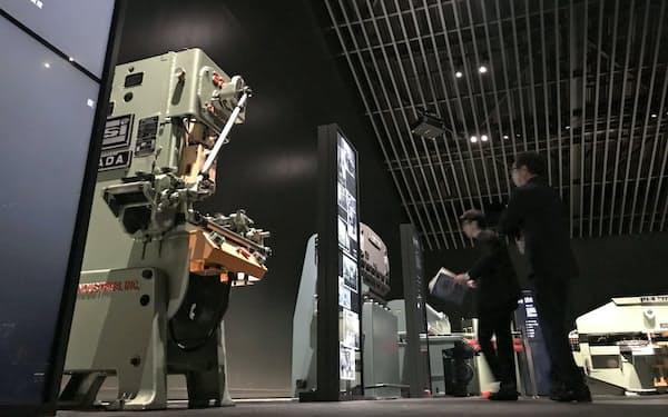 展示スペースでは歴代の機械を紹介