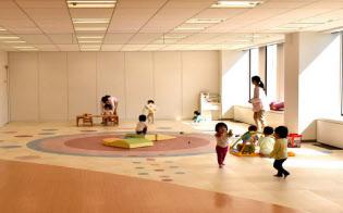 企業が社員の子供を預かる企業主導型保育は広がっている