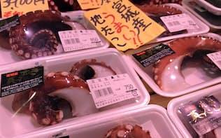 輸入タコの高値を受け、国産タコの引き合いが増えている(東京・築地市場)