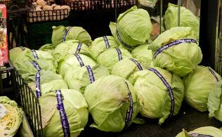 農水省は不公正な食料品取引をチェックできるようにする法案を国会に提出した(都内のスーパー)