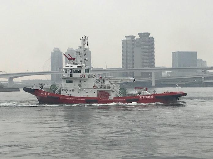 新型消防艇、東京消防庁がお披露目 大型客船増に対応: 日本経済新聞