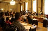 車いすの傍聴者も目立った木造天守閣バリアフリーを巡る有識者会議(24日、名古屋市役所)
