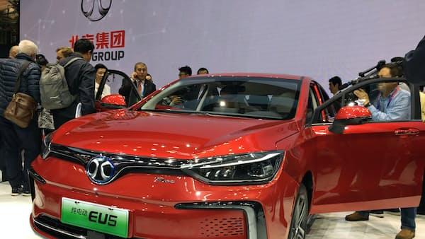 中国、EVで覇権狙う 北京自動車ショー開幕