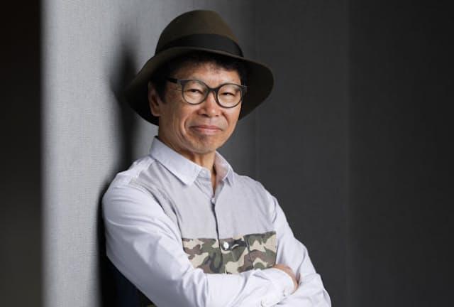 大分市生まれ。69歳。明治学院大在学中に「最後の世界」でソロデビュー。第1次かぐや姫を経て1971年に第2次かぐや姫を結成しメジャーに。現在、全国ツアー「2018~おもかげ色の空~」を展開中で、5月19日は三重県四日市市の市文化会館で開く。吉川秀樹撮影