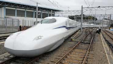 東海道新幹線 「成長の30年」、運輸収入8割増