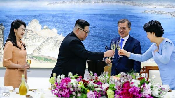 金氏、「新世代」の指導者演出 文氏を北朝鮮側に促す