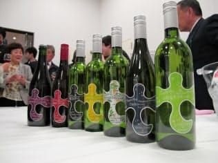 遠野まごころネットは初めて醸造した7種類の「釜石ワイン」を発表した(岩手県釜石市)