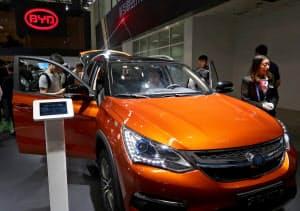 北京国際自動車ショーでは比亜迪(BYD)など現地勢も電気自動車をアピールした。
